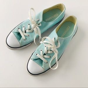 Converse Baby Blue LOW tops, Sz 7